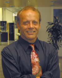 Dr Dan Steinbock